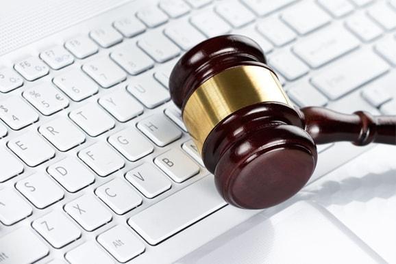 משפט מנהלי ודיני מכרזים